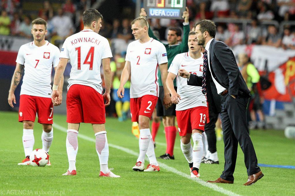 Karol Linetty, Dawid Kownacki, Paweł Jaroszyński, Łukasz Moneta i trener Marcin Dorna