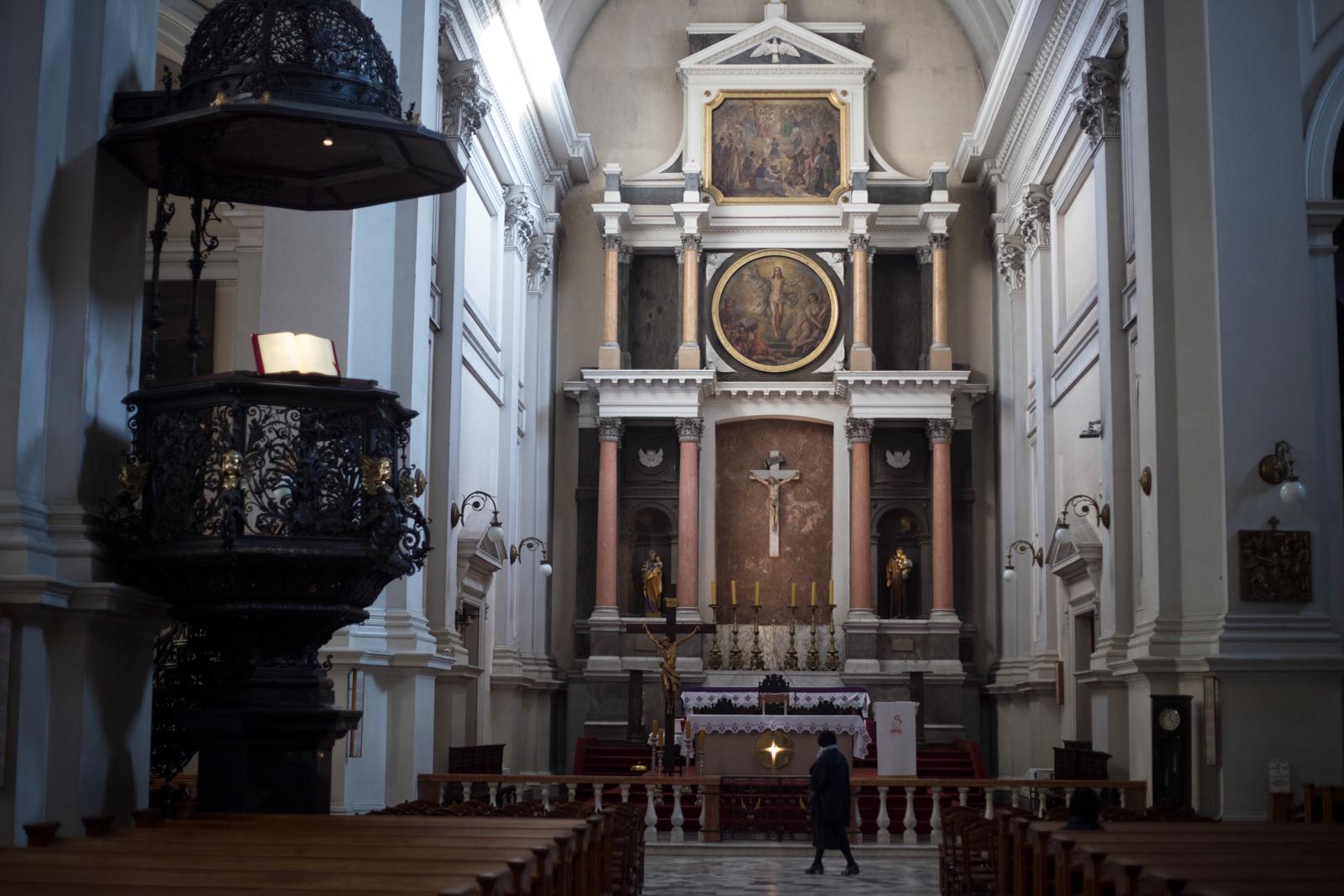 Wnętrze kościoła Wszystkich Świętych (fot. Luka Łukasiak)