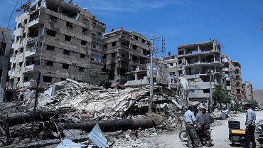 Zniszczone budynki w syryjskiej Dumie