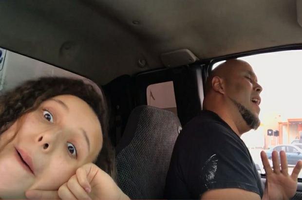 Nagrała, jak śpiewa jej tata