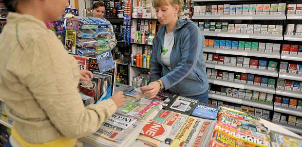 """Sprzeda� dziennik�w. Najwi�cej straci�a """"Gazeta Polska Codziennie"""". Liderem nieustaj�co tabloid """"Fakt"""""""