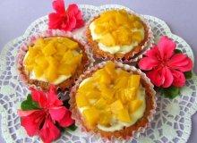 Owsiane muffinki z brzoskwiniami - ugotuj