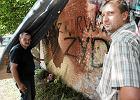 """W Krakowie zdewastowano mural z wizerunkiem Jana Paw�a II. """"�yd, oszust"""""""