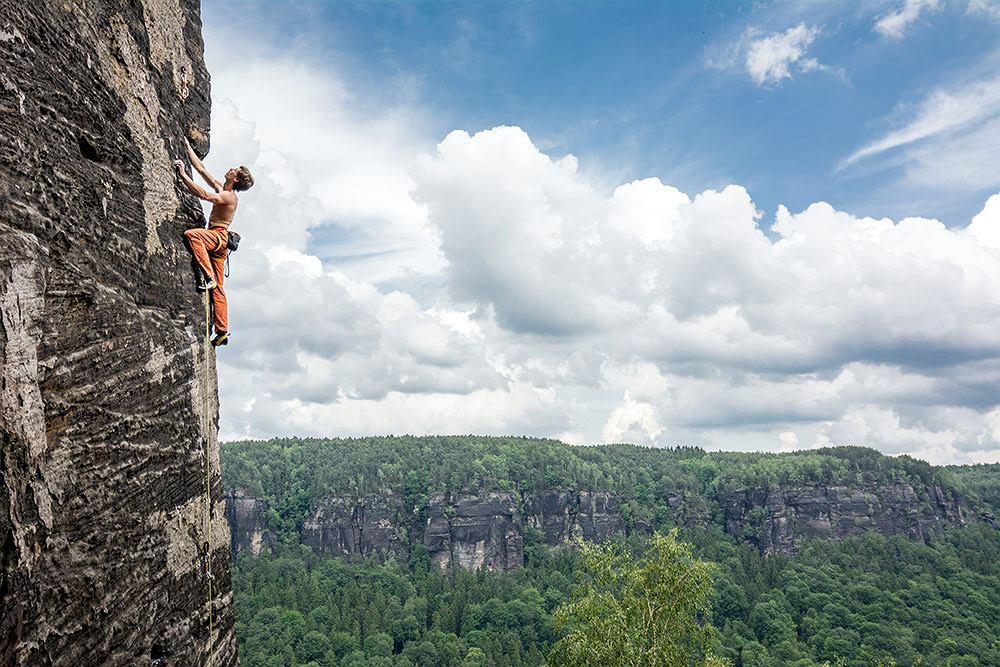7 najlepszych rejonów wspinaczkowych w Europie - pokazuje wspinacz i fotograf Stefan Madej