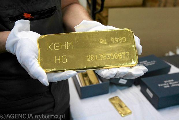 Niemcy przed czasem wycofali część złota z USA, Rosjanie też chomikują