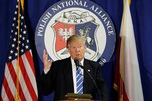 """Polonia w Chicago od�piewa�a """"Sto lat"""" Trumpowi. Ten chwali Polsk�"""