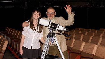 Zofia Kaczmarek i prof. dr hab. Maciej Mikołajewski, członek Komitetu Głównego Olimpiady Astronomicznej