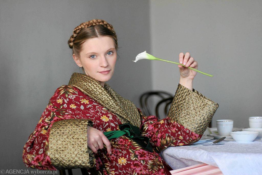 Agata Buzek jako Natasza w 'Trzech siostrach' w Teatrze Polonia / ALINA GAJDAMOWICZ