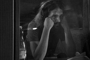 Gienek Loska z zespo�em zaszy� si� w studiu w Pleszewie gdzie nagrywa p�yt�.