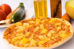 Włoscy rolnicy i prezydent Islandii na wojnie z pizzą hawajską. Nie pasuje im ananas