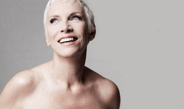 """28 października ukaże się nowa płyta Annie Lennox, """"Nostalgia"""". Artystka opublikowała właśnie zwiastun dzieła."""