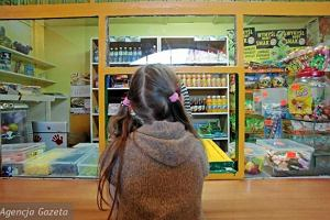 Nowe przepisy żywieniowe w szkołach, sklepiki bez batonów