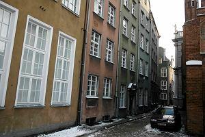 Zlikwidowali przychodni�, mia� by� hostel, a budynek ci�gle pusty