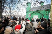Meczet w Kruszynianach. Wizyta księcia Walii Karola, 2010 rok