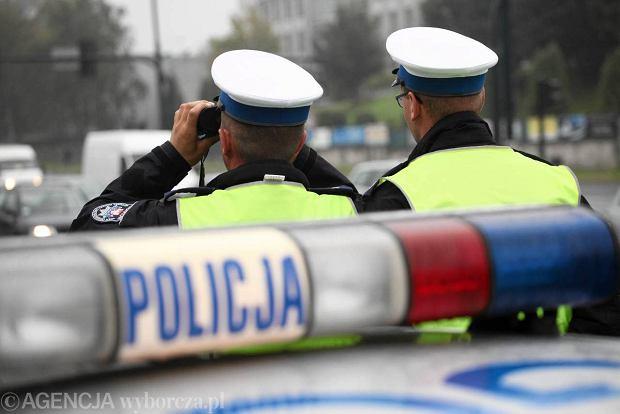 Dwaj policjanci cz�stochowskiej drog�wki skazani za �ap�wki. Wzi�li... 450 z�