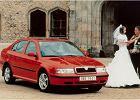 SKODA Octavia 97-00, rok produkcji 1997, coupe, widok przedni prawy, samoch�d 5-drzwiowy, kolor czerwony jasny