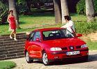 SEAT Ibiza 99-02, rok produkcji 2000, coupe, widok przedni prawy, samoch�d 3-drzwiowy, kolor czerwony jasny