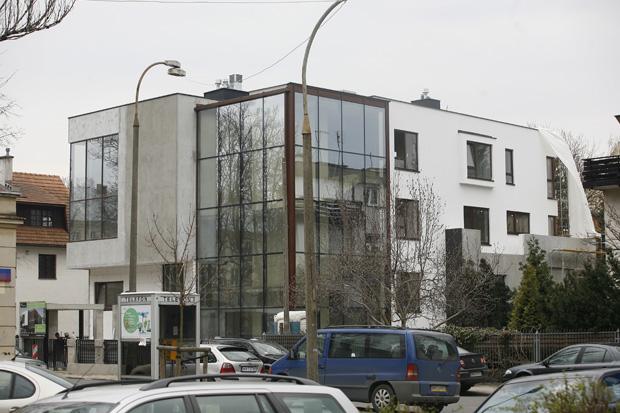 Maciej Dowbor widziany w swoim nowym domu. Warszawa. 12-04-2012.
