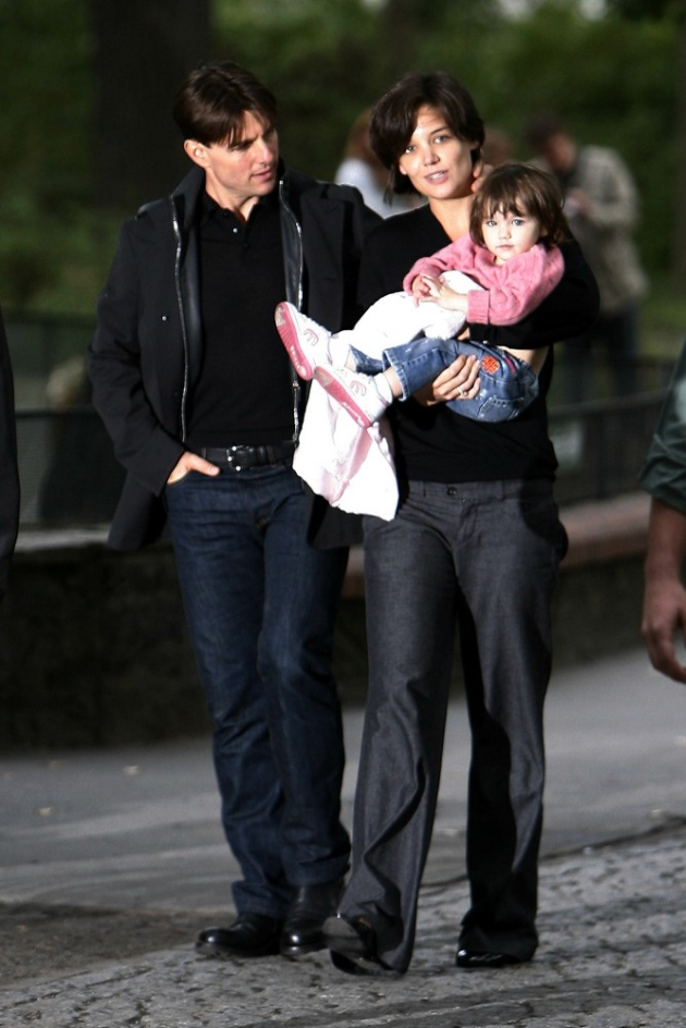 Tom Cruise and Katie Holmes took Suri to the Berlin Zoo. They shared a few intimate moments before the affair turned into a media frenzy/photo opportunity. <P> Picture by: Dean Chapple <br> <B>Ref: DCUK 120807 A <B/> <P> <B>Splash News and Pictures</B><br> Los Angeles:	310-821-2666<br> New York:	212-619-2666<br> London:	207-107-2666<br> photodesk@splashnews.com<br> www.splashnews.com