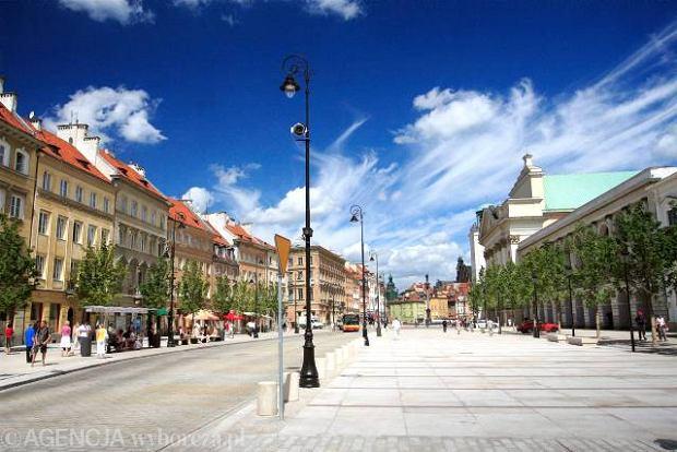 Salon Warszawy bez plastikowych krzese�
