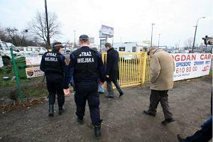 Warszawa: Teren autokomisu b�dzie przej�ty si��