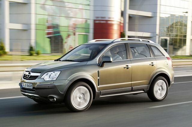 Przednionapędowy Opel Antara