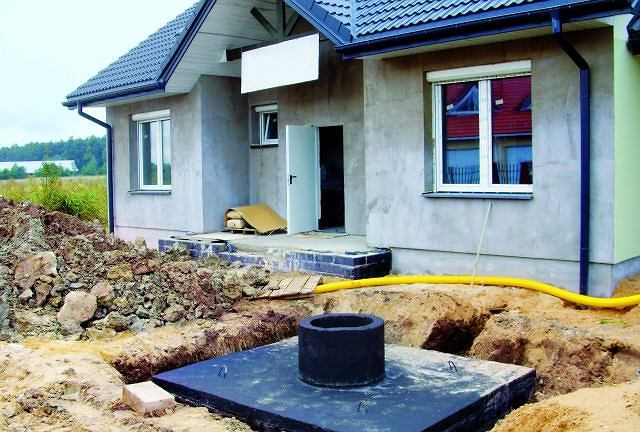 Budowa szamba stanowi czasami jedyny sposób na odprowadzenie ścieków z domu