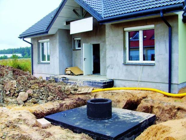 Budowa szamba stanowi czasami jedyny spos�b na odprowadzenie �ciek�w z domu