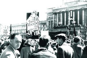 D�uga historia pochod�w pierwszomajowych