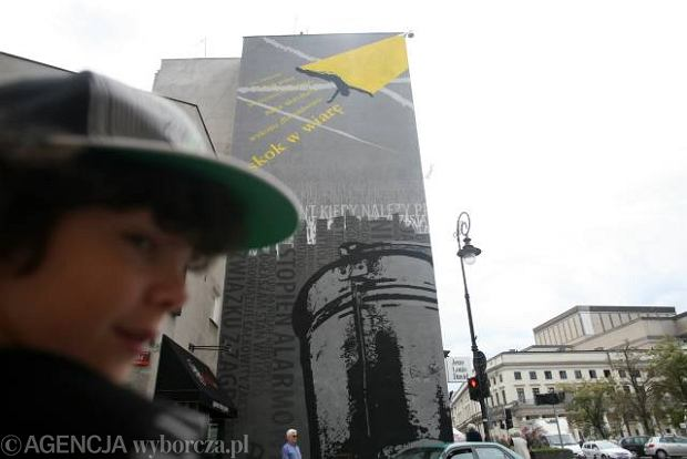 Nietypowy mural grupy two ywo przy moliera for Mural ursynow