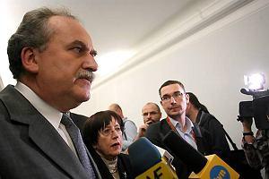 Śmierć po szczepionce na A/H1N1? Minister Fronczak ma dane z prasówki