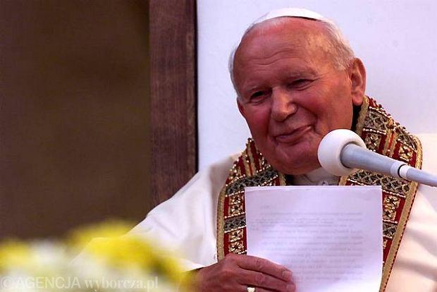 Jan Pawe� II zostanie og�oszony �wi�tym. Papie� uzna� cud