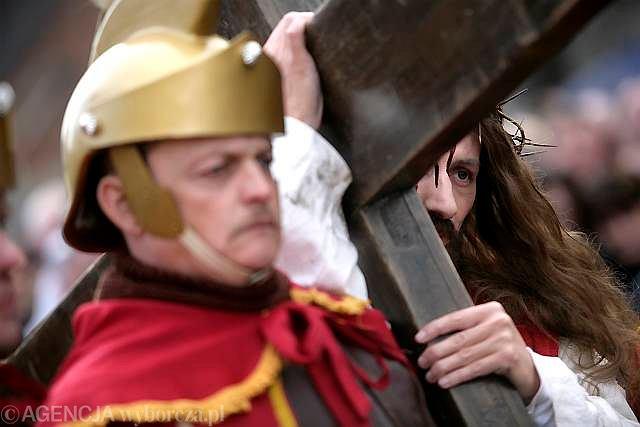 Jak co roku w Wielki Piątek w Kalwarii Zebrzydowskiej odbyła się uroczysta Droga Krzyżowa
