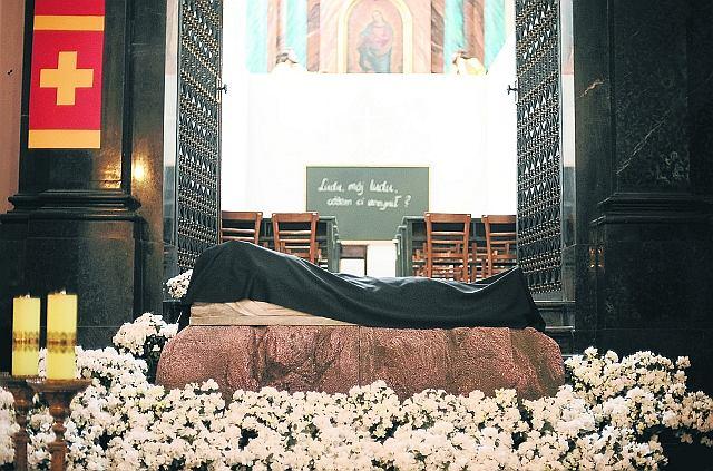 Warszawa - Grób Pański w Katedrze św. Jana Chrzciciela