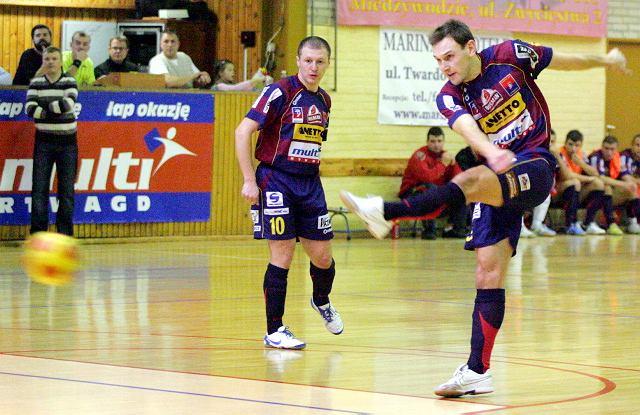 Mateusz Mika dysponuje mocnym strzałem z lewej nogi