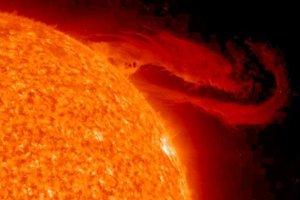 Słońce widziane przez satelitę SDO - piękny film