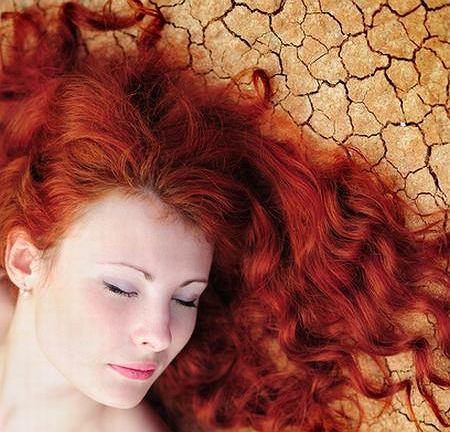 Regeneracja włosów latem