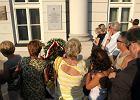 Micha�owski: Prezydent ods�oni�cie tablicy obejrza� w telewizji