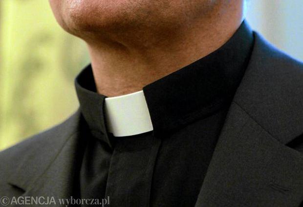 Ile kosztuj� etaty duchownych? Zadziwiaj�co du�o. Czy s�usznie? Nad tym trwa dyskusja
