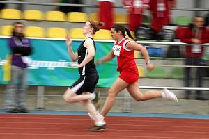 Olimpijski znicz zap�on�� w Warszawie