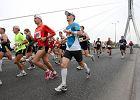 Rekordowy maraton z g�sienic� dobieg� do mety