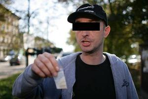 """Tomasz O. zatrzymany za """"eksperyment"""" z hodowaniem konopi"""