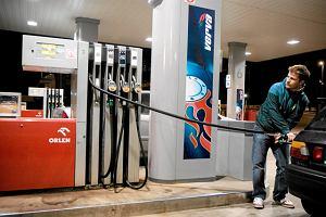 Orlen nagle obni�y� ceny paliw