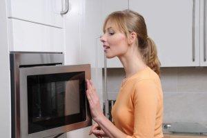 Kuchenka mikrofalowa: jest się czego bać?