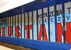 Graffiti na Dworcu Centralnym. Czytelnicy: To skandal!