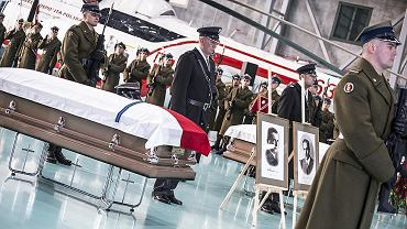 Powitanie szczątków doczesnych płk. Ignacego Matuszewskiego i mjr. Henryka Floyar-Rajchma