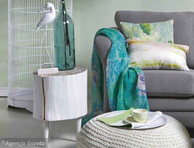 Jedna sofa w czterech aranżacjach