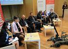 Polskie innowacje: opatrunek z much i superczu�y test grypy