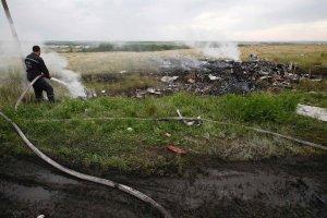 Holenderska komisja: Boeing trafiony z zewn�trz. Rosjanie: Zach�d nie przedstawi �wiatu prawdy o katastrofie