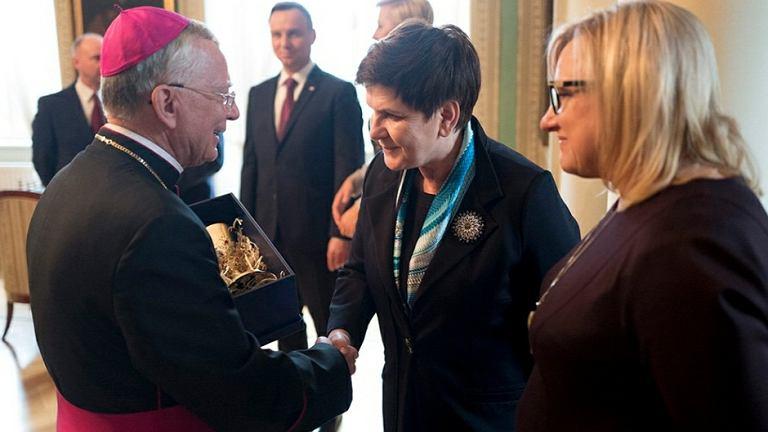 Abp Marek Jędraszewski, premier Beata Szydło i minister Beata Kempa